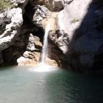 Onder de waterval